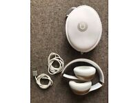 Beats By Dre Solo 2 Wireless Gold/ White Bluetooth