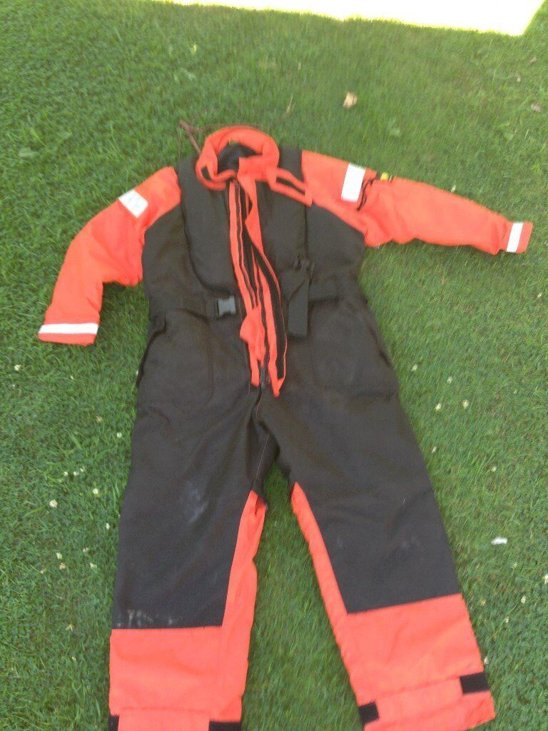 Flotation Suit (Mullion FRC 3) with integrated Lifejacket
