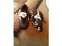 Mizuno football boots with studs size 3