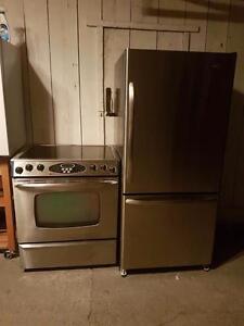 Duo poêle frigo stainless très propre Possibilité de livraison