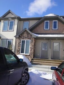 Beautiful 2 Br Townhouse For Rent In Kings Heights Airdrie Ab