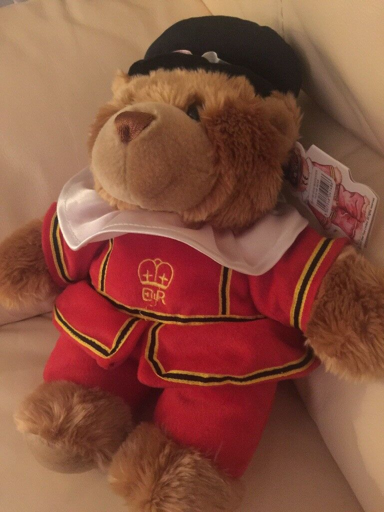 Toy teddy Beefeater from Tower of London shop NWT
