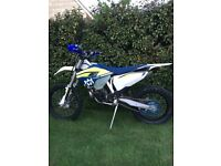 HUSQVARNA TE 300. 2016 MODEL. EXCELLENT CONDITION. V5. MAINTAINED BY MIDWEST RACING.