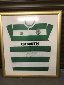 Celtic top signed by Frank McAvennie
