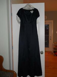Navy Bridesmaid Dress (Size 6), Brand New!