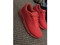 Nina air max worn once mint con