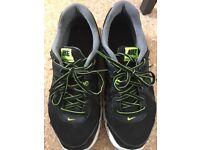 Men's Nike Revolution 2 size 9.5