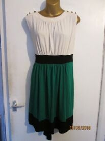 NICE MULTI COLOUR DRESS SIZE 14 GREEN AND CREAM WITH BLACK BAND WAIST BY DOROTHY PERKINS