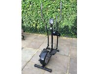 Cross Trainer - Magnetic elliptical trainer - ONLY 6 Months old