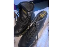 almost new size 10 dr martins worn once