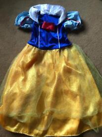 Snow White fancy dress aged 3-5