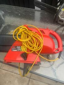 Leaf blower and suction with bag