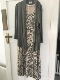 *** Eastex complete outfit! *** lovely dress, jacket and necklace, size 10