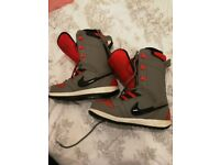 Nike Vapen Snowboard Boots size 8.5 UK