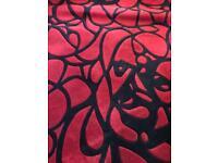 Quality woollen rug 6ft 6 x 9 ft