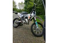 KTM SX125 ROAD REGISTERED WITH MX WHEELS AND TYRES AND SUPER MOTO WHEELS AND TYRES