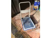 HAND TROLLEY WITH FOLDING HANDLE