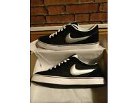 Nike Isolate trainers