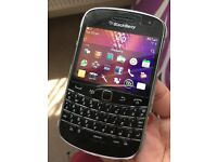 Blackberry bold 9900 Unlocked worth £90.00!