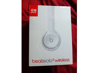 Beats by Dre Solo3 On-Ear Wireless Headphones Gloss White Sealed/unopened Latest 40hr battery Life