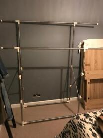 Hanging Clothes Rail with extendable height & arms