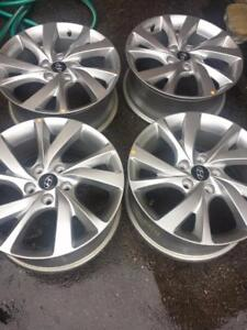 BRAND NEW TAKE OFF 2017 HYUNDAI VELOSTER FACTORY OEM 17 INCH ALLOY WHEEL SET OF FOUR.