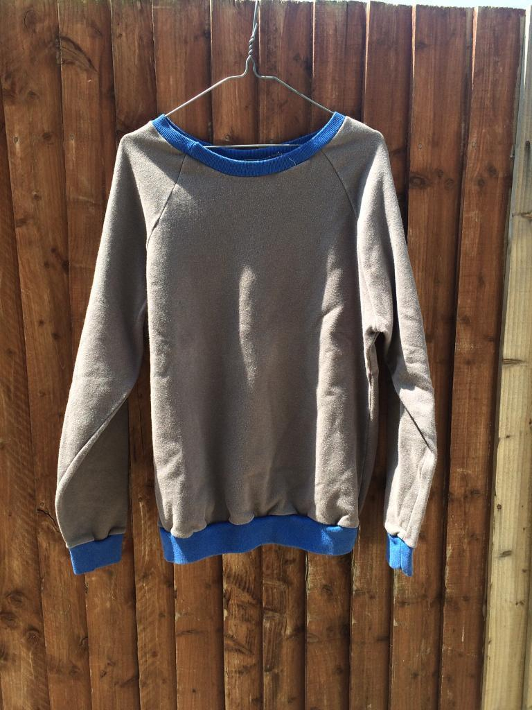 26 Prisoner sweatshirts. Used. costume. Job lotin Acton, LondonGumtree - Job lot of ex prison sweatshirts. Would suit a theatre or costume person looking for prisoner outfits. Used condition. Various sizes Please collect from W73DE or ring to arrange appointment