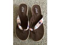 Animal sandals