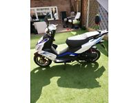 Lexmoto FMR 50 Scooter - Excellent condition, low milage
