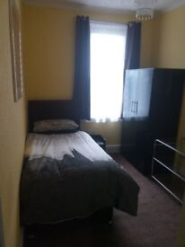 Light and airy single room to rent, great location, no agency fees
