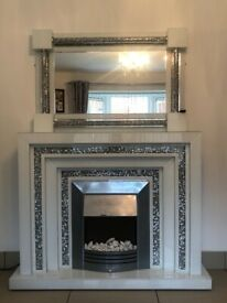 *Stunning* Fireplace and matching Mirror