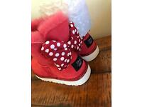 Girls Disney Ugg boots NEW - Minnie Mouse size 3