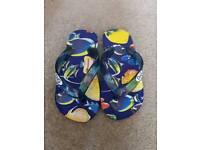 Boys D&G flip flops size 28 (10)