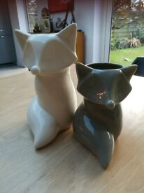 Two fox vases