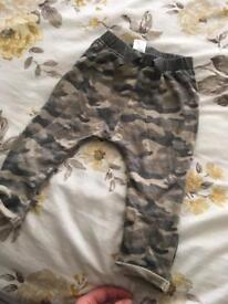 NEXT !!!! Camouflage joggers 9-12 months