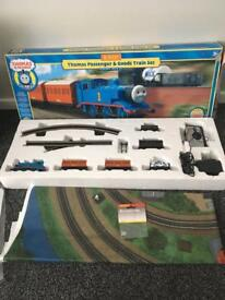 Hornby Thomas The Tank Engine And Friends passenger & goods train set