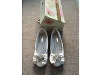 Wedding shoes flat size 6 with box