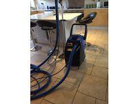 lightweight carpet cleaning machine,