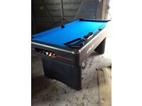 6 FT RILEY POOL TABLE INCLUDING ACCESSORIES