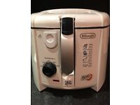 DeLonghi Roto Fryer Easy Clean System Deep Fryer F28311, immaculate, like new.