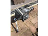 """Stanley 6"""" bench vice"""