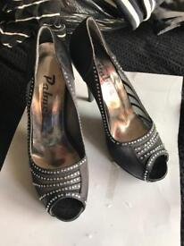 LADIES SHOES SIZE 5. X 3 PAIRS