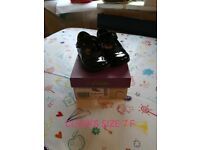 Black Clark's girls shoes size 7F. With lights