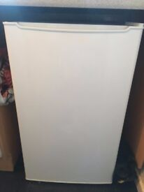 White under bench fridge with freezer compartment - perfect working order
