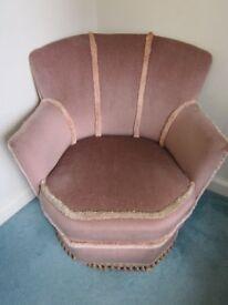 Comfortable Tub Shaped Chair