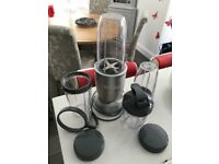 NutriBullet Pro 900 Series Blender with 2 blades and 4 cups