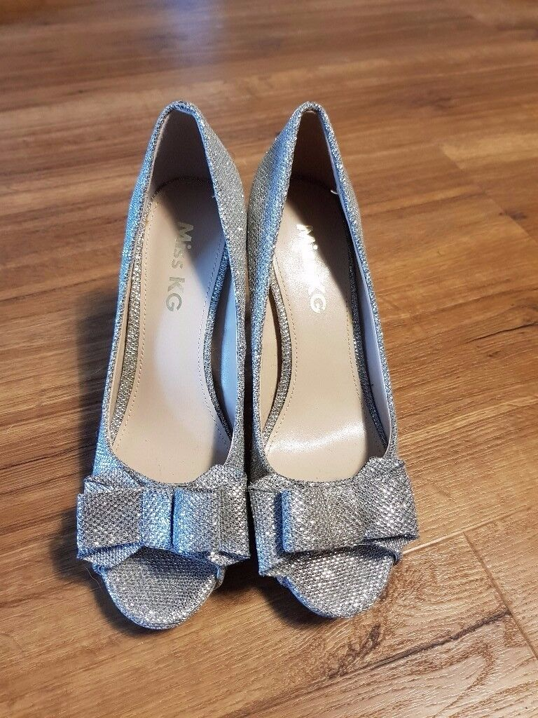 Ladies size 6 Miss KG sparkly heels
