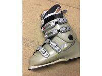 SALOMON anatomic Ski boots size 4