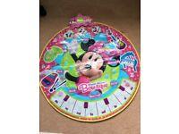 Minnie Mouse music mat