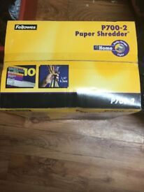 P700 - 2 PAPER SHREDDER FELLOWES